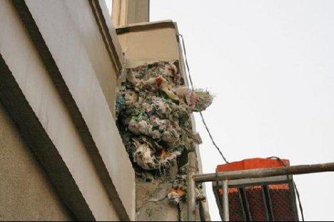 57362  468x shanghai rubbish bridge collapses 5 Chapuzas en construcciones